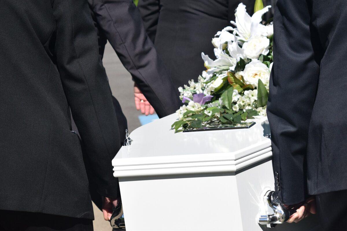 ¿Qué significa soñar con un funeral?