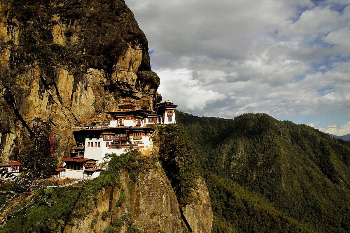 ¿Qué significa soñar con un monasterio?