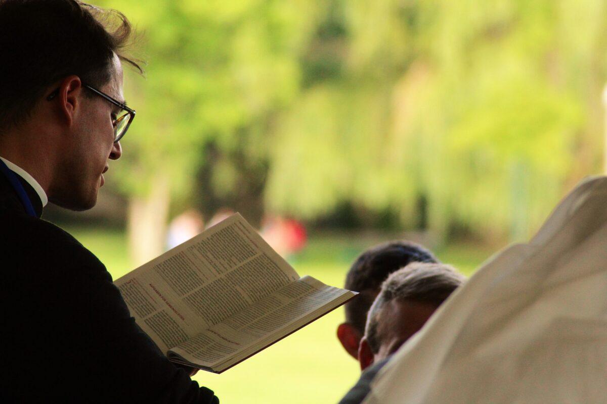 ¿Qué sigifica soñar con un sacerdote?
