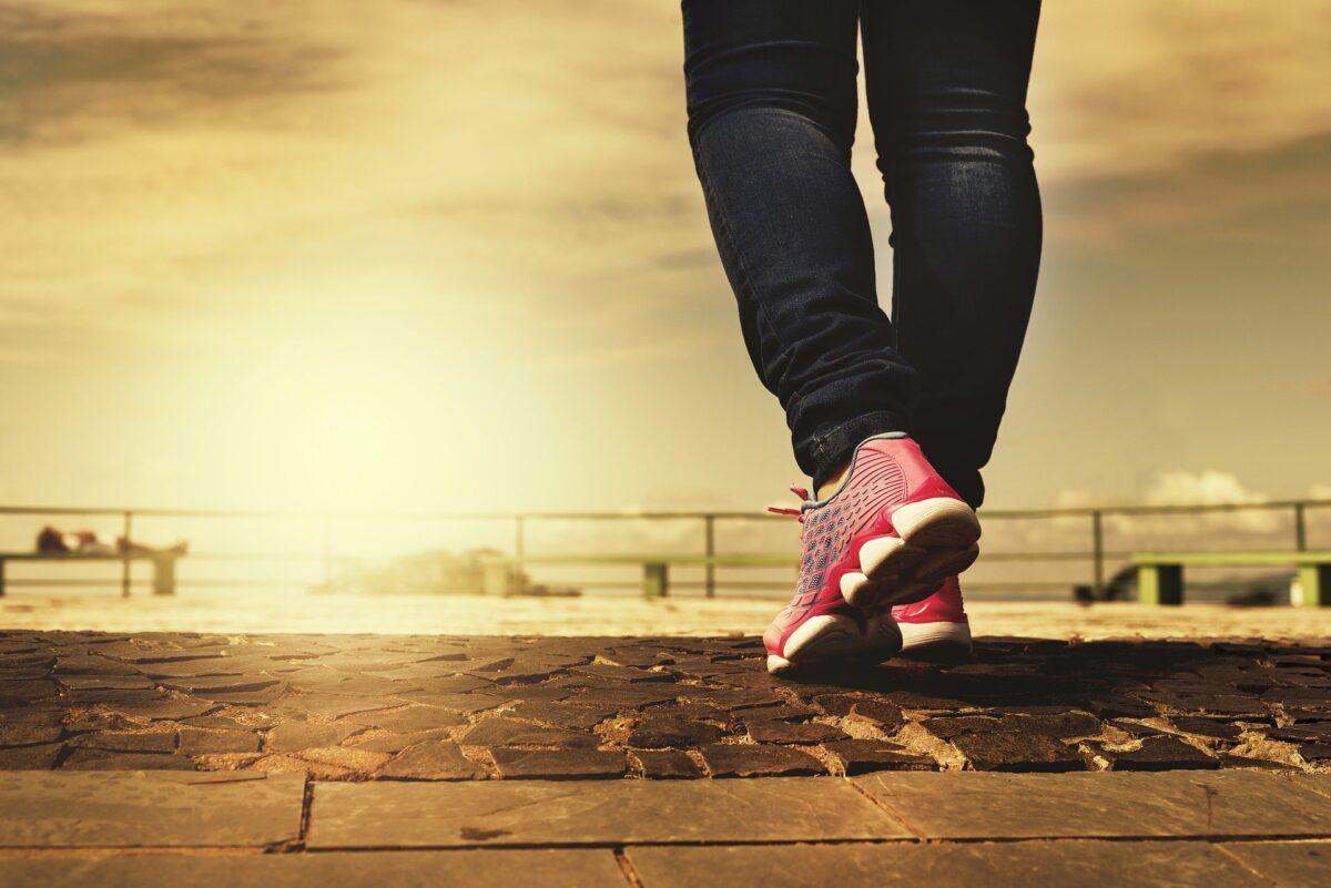¿Qué significa soñar que está caminando (paseando)?
