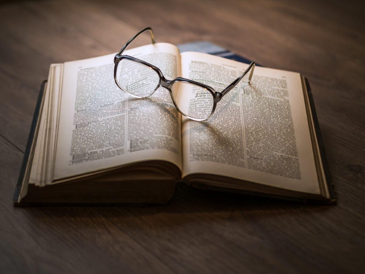 ¿Qué significa soñar con un libro?