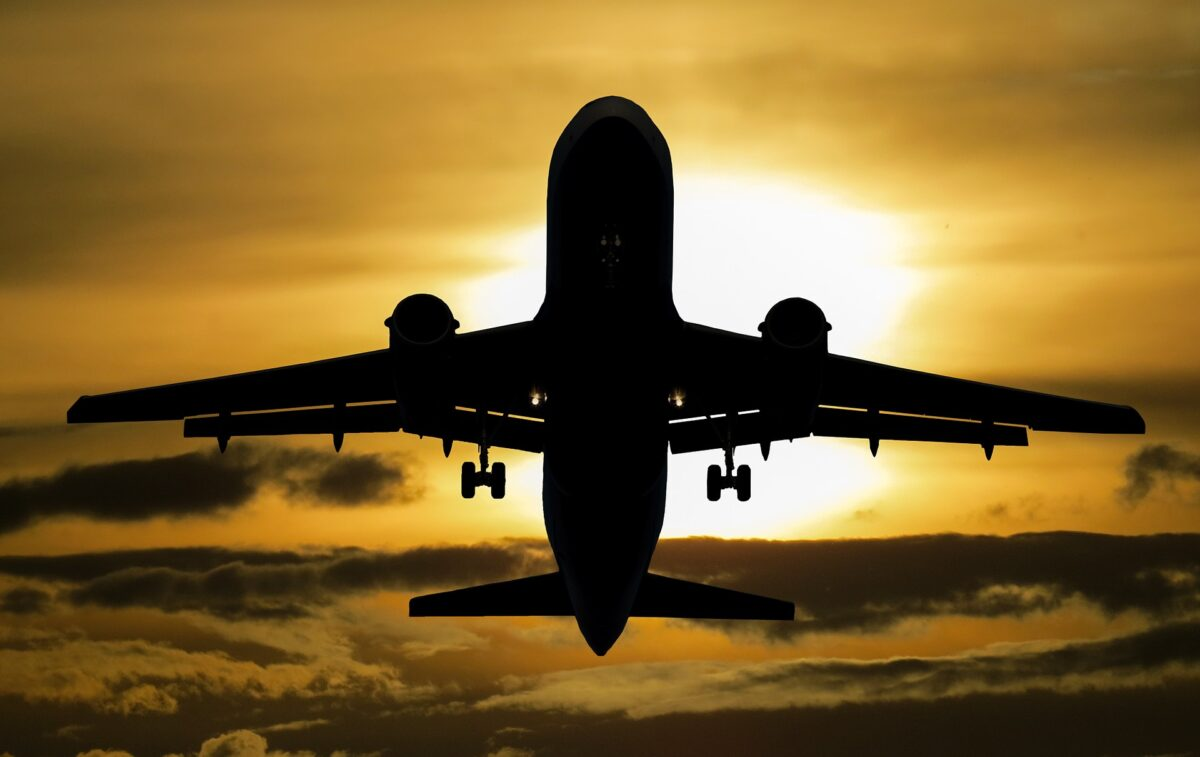 ¿Qué significa soñar con un avión?