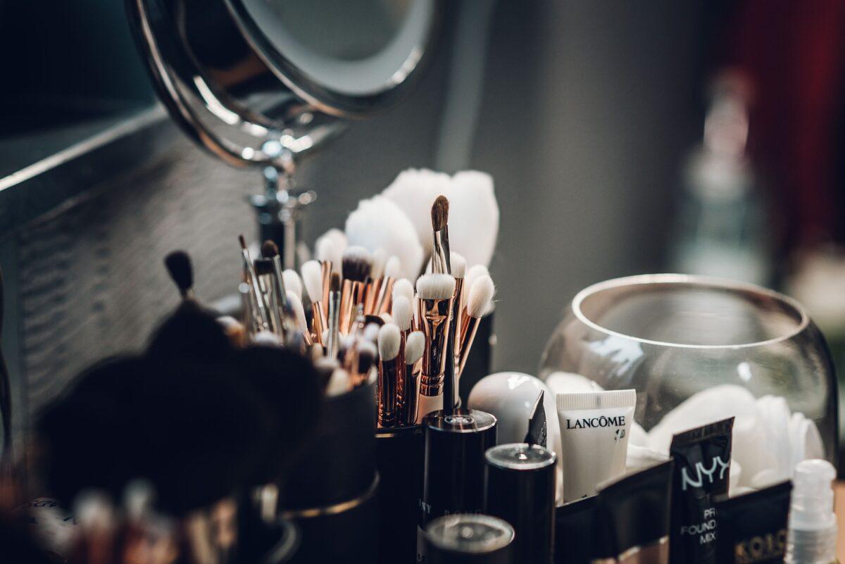 ¿Qué significa soñar con el maquillaje?